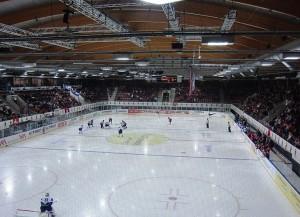 In der Eishalle Deutweg in Winterthur ist ab nächster Saison wieder NLB-Eishockey zu sehen (Bild: Wikipedia/Fundriver/CC-Lizenz).