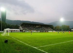 Das Gurzelen-Stadion in Biel (Bild: Wikipedia/Simon Bohnenblust).