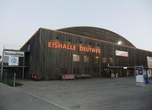 Die Eishalle Deutweg in Winterthur (Bild: Wikipedia/Deutweg).