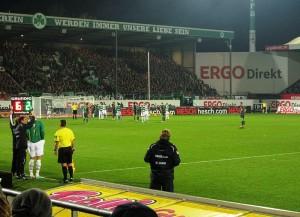 Das Stadion am Laubenweg von Greuther Fürth (Bild: Wikipedia/Markus Unger).