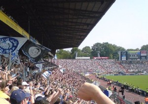 Im Stadion des Karlsruher SC (Bild: Wikipedia/Brian Kohn).