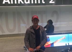Hier kommt Corey Locke in der Schweiz an (Bild: EHC Visp).