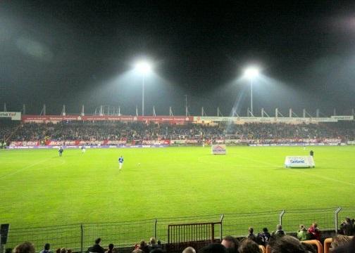 VfL Osnabrück festig Position – Holstein Kiel bleibt vorne. Top-8 siegt geschlossen.